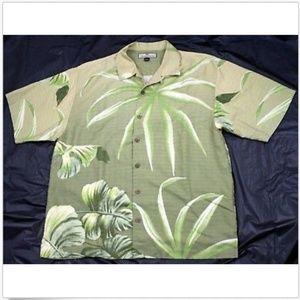 Tommy Bahama Short Sleeve Hawaiian Camp Shirt